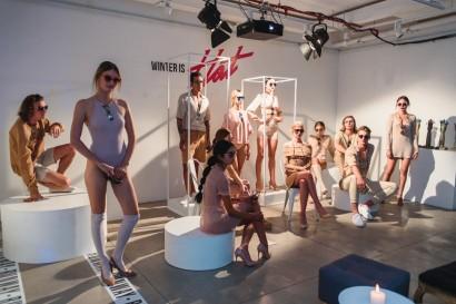 """Foto 09.- Modelos presentando la colección otoño-invierno """"Winter is Hot"""" de Rotter & Krauss.-972x648"""
